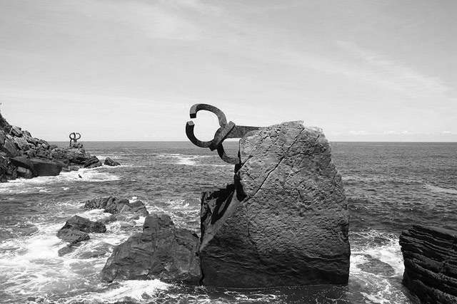 Arte y parte: A-Couple inspiración Chillida | itfashion.com