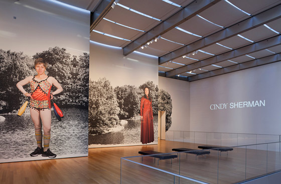 Arte y Parte: Cindy Sherman's Fashion Show | itfashion.com