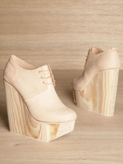 ETS, 25 horas por par de zapatos | itfashion.com