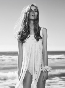 Al mar by Juanma Blanco | itfashion.com