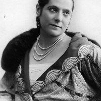 Helena Rubinstein: Beauty is Power | itfashion.com
