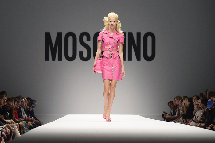La Barbie de Moschino llega a Barcelona | itfashion.com