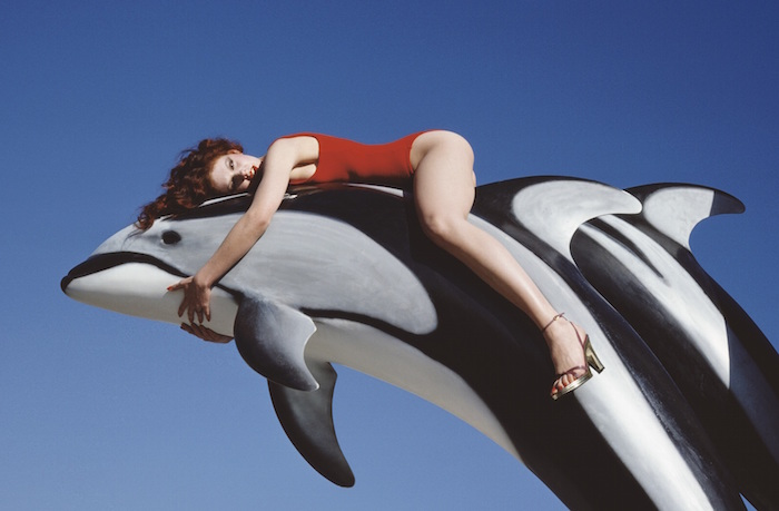 La exposición que retrata el mundo surrealista de Guy Bourdin | itfashion.com