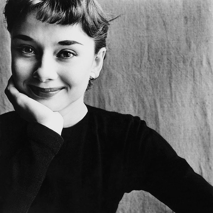 repasando los mejores retratos de audrey hepburn. Black Bedroom Furniture Sets. Home Design Ideas