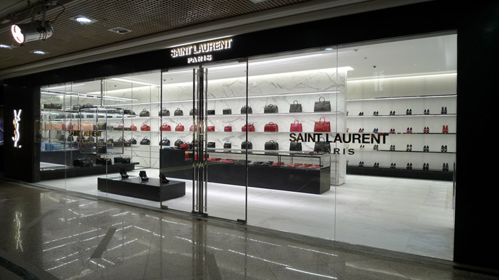 Saint-Laurent_Store-photo