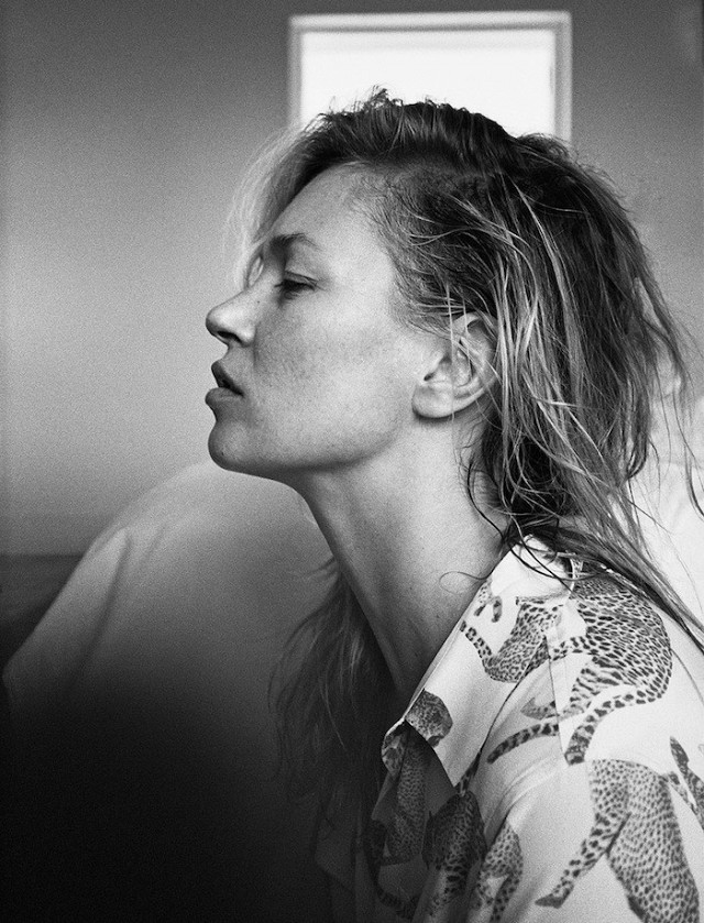 kate-moss-and-daria-werbowy-stun-in-equipments-ss-2016-campaign-1615099-1452159176.640x0c