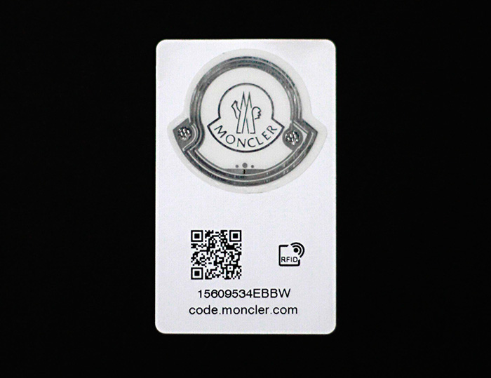 moncler-label-chip