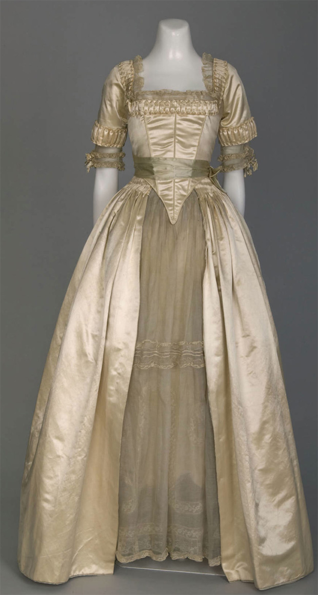 1916-Lucile-wedding-dress-(Chicago-History-Museum---Chicago,-Illinois-USA)