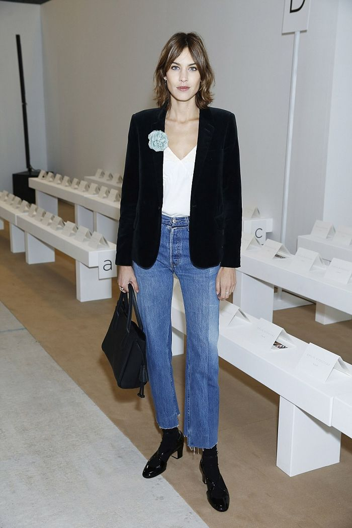 Alexa-Chung-Vetements-1410-Jeans_opt