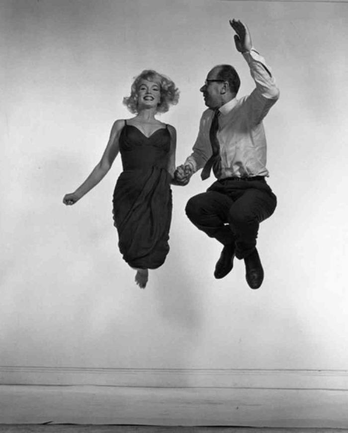 philippe-halsman-marilyn-monroe-jump-photo-1954