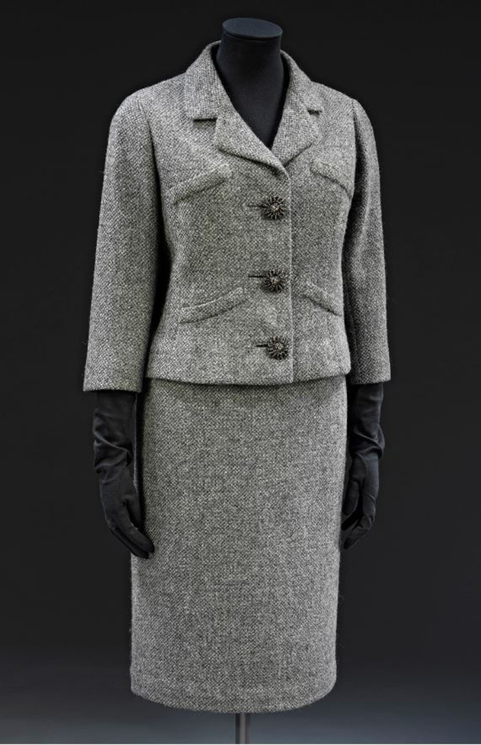 jacket-and-skirt-suit_Balenciaga