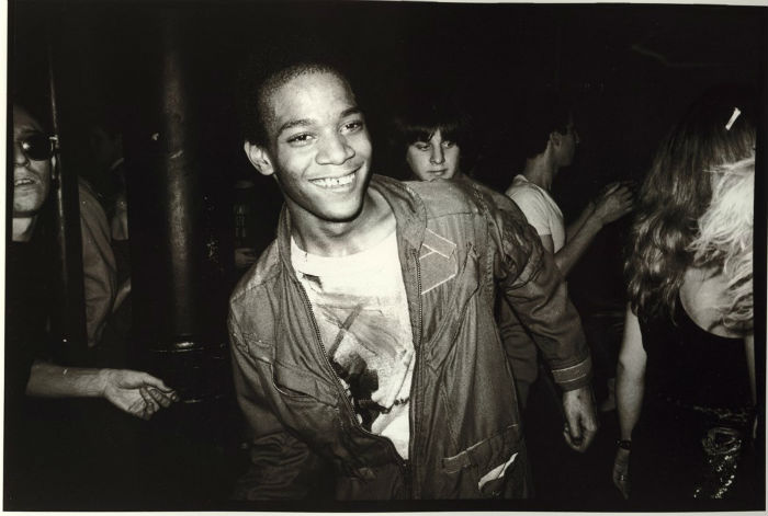 la mayor retrospectiva de Jean dancing at the Mudd Club with painted t-shirt 1979