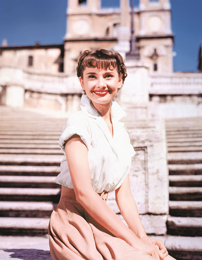 hbz-audrey-hepburn-50s-roman-holiday-1953-courtesy-photofest