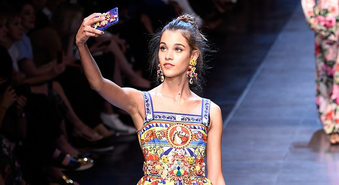Selfie Dolce and Gabana (3)