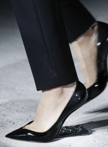 01-saint-laurent-no-heel-shoe