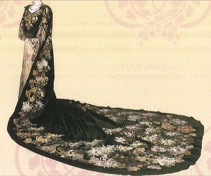 court dress worn by the empress meiji 1910