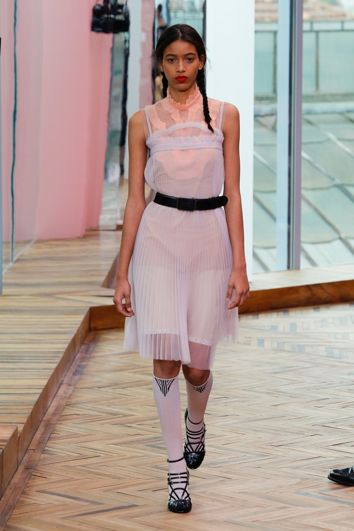 Prada-cruise-2018-fashion-show-the-impression-15