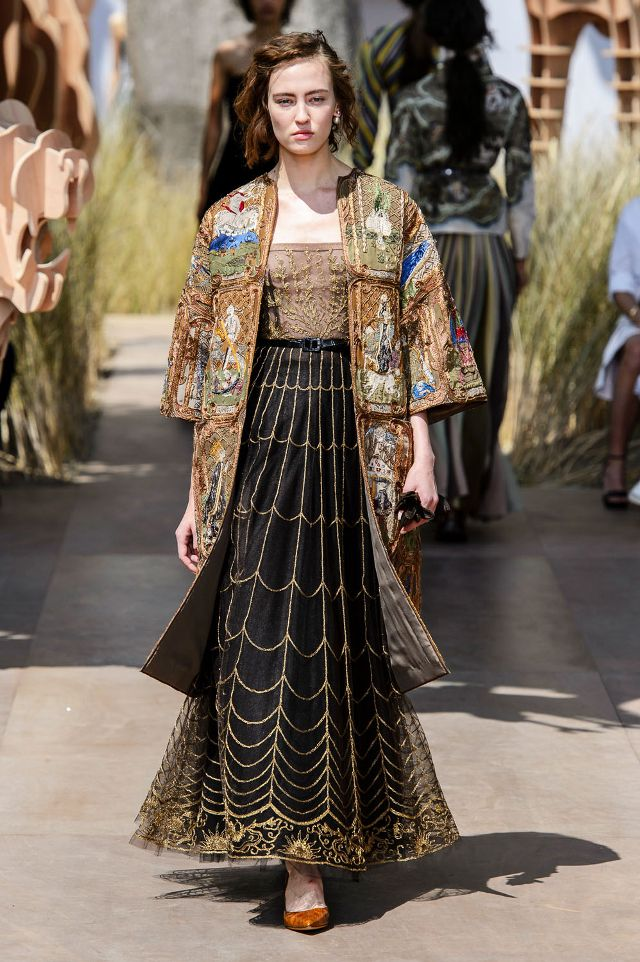 dior-couture-tarot-card-coat-229174-1499696367075-image.640x0c