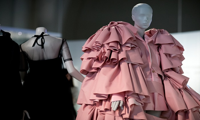 balenciaga_shaping_fashion_exposicion_victoria_and_albert_londres__90685443_1200x