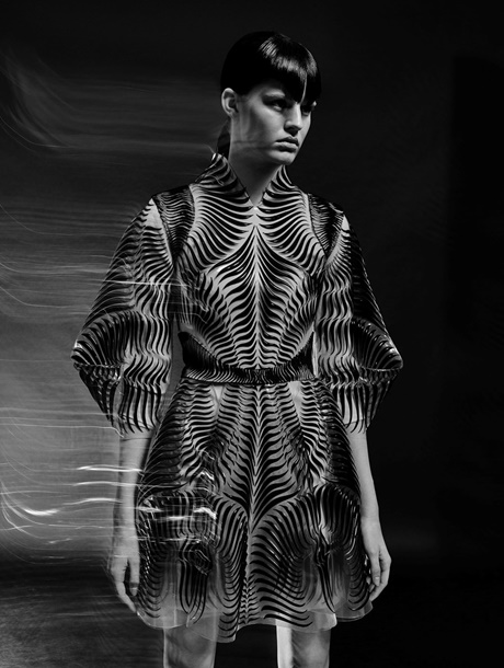 iris-van-herpen-between-the-lines-2