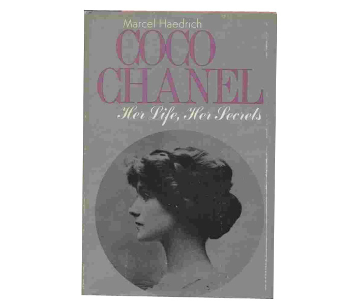 chanel_best_books_02