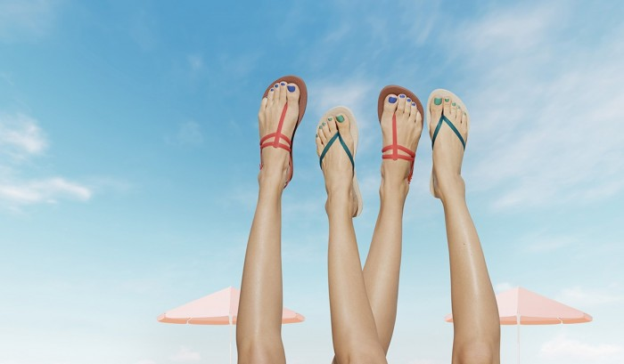 thumbnail_feet_in_sky