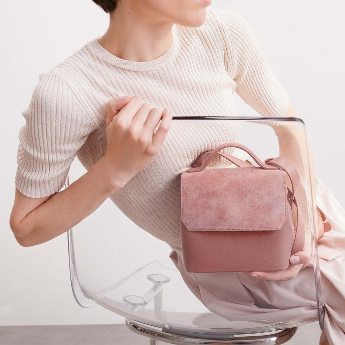Mlouye-Micro-Convertible-Bag-Blush-1L_1050x.progressive
